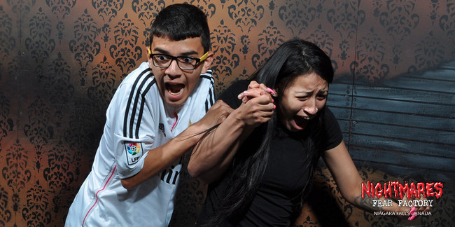 desktop 1444145131 20 Of The Best Haunted House Reactions Photographed